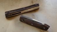 Couteau de type liner lock. Lame 14c28n – plaquettes loupe de noyer stabilisée – platines titane – guillochage Longueur de lame : 8,8 cm. Longueur totale : 17,5 cm.
