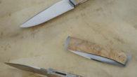 Couteau pliant de type liner lock. Lame inoxydable 14c28n – plaquettes loupe de robinier – mitres fines – platines titane – guillochage Longueur de lame : 94 mm. Longueur totale […]