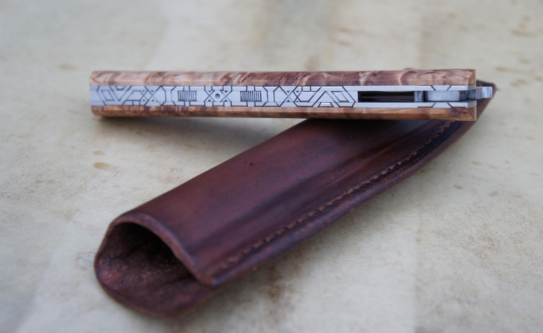 Reka RWL34 et bouleau stabilisé – pochette cuir